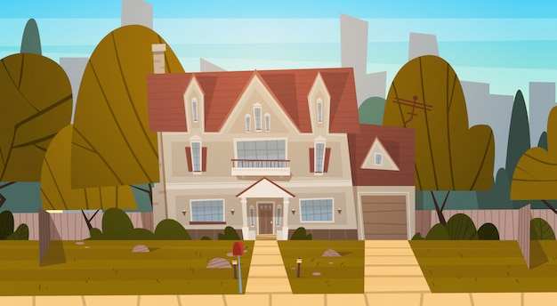Жилой дом на окраине большого города летом, коттеджная недвижимость