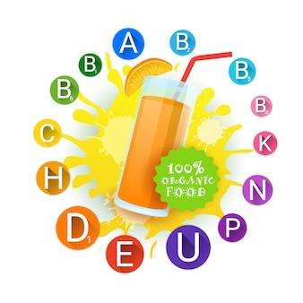 オレンジジュースのガラスおよびビタミンはペンキのしぶき上のロゴの自然な食糧農産物プロダクトラベルを置きました