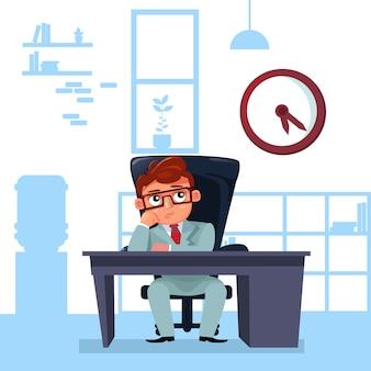 ビジネスマンの上司が時計の締め切りを見てオフィスの机に座る