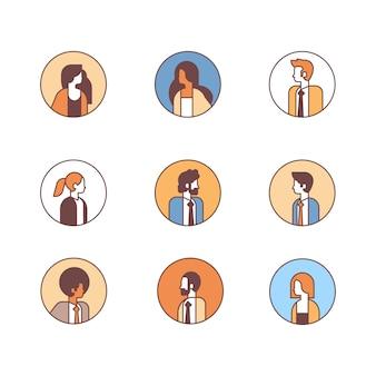 セットの人々アバタープロフィールビジネス男性女性オフィスワーカーコンセプト女性男性漫画キャラクター肖像画コレクションライン分離