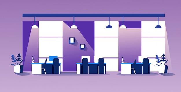 Творческий центр совместной работы современное рабочее пространство пусто нет людей кабинет с мебелью интерьер офиса