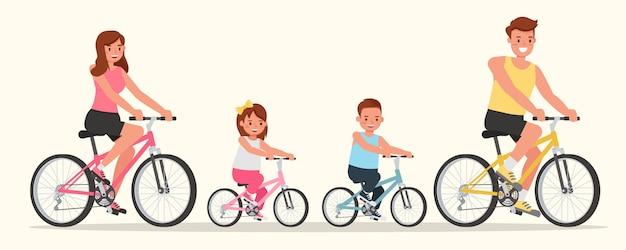 Отец, мать, дочь и сын катаются на велосипеде.
