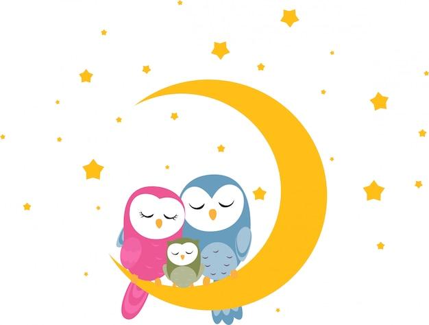 フクロウの家族は壁紙の月の背景に眠る