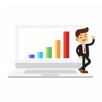 Бизнесмен, опираясь на ноутбук с диаграммой