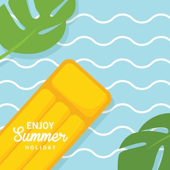 В летние каникулы, плавучий желтый воздушный бассейн с водным матрасом
