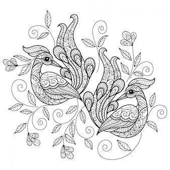 Павлин. нарисованная рукой иллюстрация эскиза для взрослой книжка-раскраски.