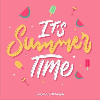 平らな夏の食べ物と背景をレタリング