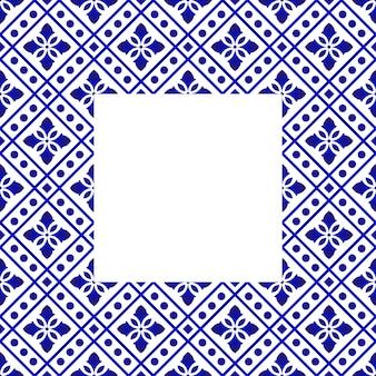 Сине-белая цветочная рамка