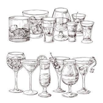 スケッチされたアルコール飲料のイラストのセット