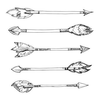 部族インディアンの矢。手描きの装飾的要素をボホスタイルで描いています。武器アメリカ人アステカ