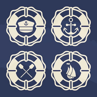 Ретро морской комплект этикеток - спасательный круг с якорем, лодка, крест с веслами, шапка капитана
