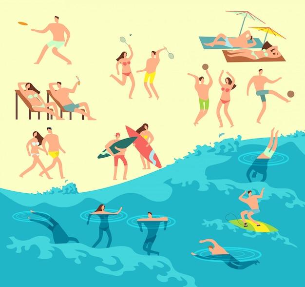 夏のビーチで日光浴、遊び、水泳の人々