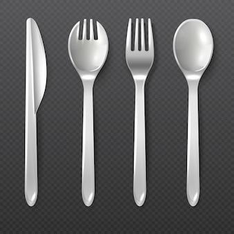 現実的な使い捨ての白いプラスチックスプーン、フォークとナイフのベクトル分離刃物。食事、食器ナイフフォークとスプーンのためのプラスチック製の道具のイラスト