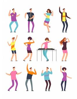 夏のパーティーで踊る若い面白い男性と女性