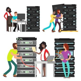 Команда компьютерных инженеров, работающих в серверной комнате