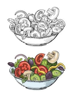 Большая миска зеленого салата с помидорами, огурцами, оливками, луком, грибами