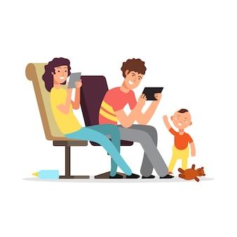 Молодые родители не обращают внимания на ребенка