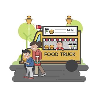 Счастливые люди на грузовике