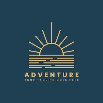 屋外の冒険のロゴバッジテンプレート