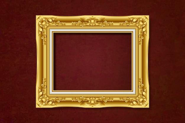 Старинная золотая рамка