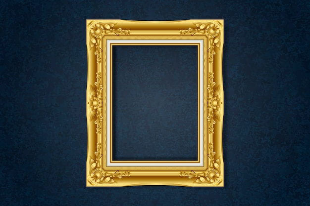 Простая золотая рамка на стене