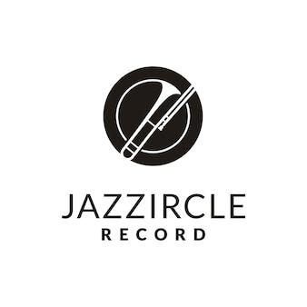 ジャズミュージックのロゴデザインのためのシンプルな金管楽器