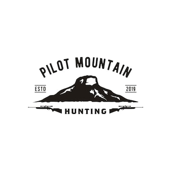 レトロなビンテージパイロットマウンテンのロゴデザイン