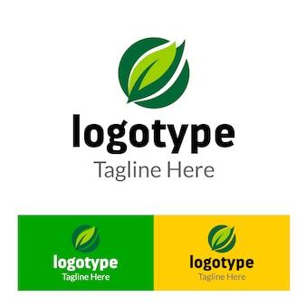 食品市場のための緑の葉の要素を持つ抽象ロゴ有機農場