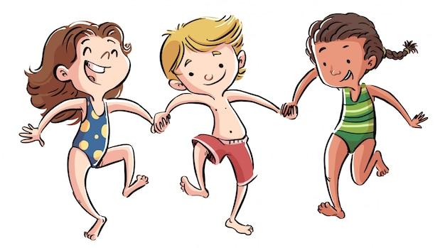 水着で遊ぶ子供たちのグループ