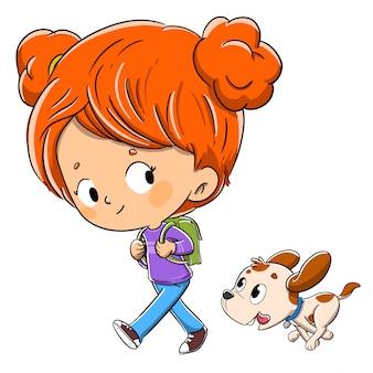 学校に行く途中でバックパックと彼女の犬を連れて歩いて小さな女の子