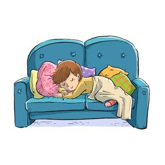 Маленький мальчик спит на диване