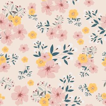 ピンクと黄色の花のシームレスパターン