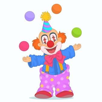 Смешной клоун делает жонглирование