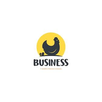 農場の新鮮な卵のロゴ