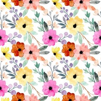 Красочные акварельные цветочные бесшовные