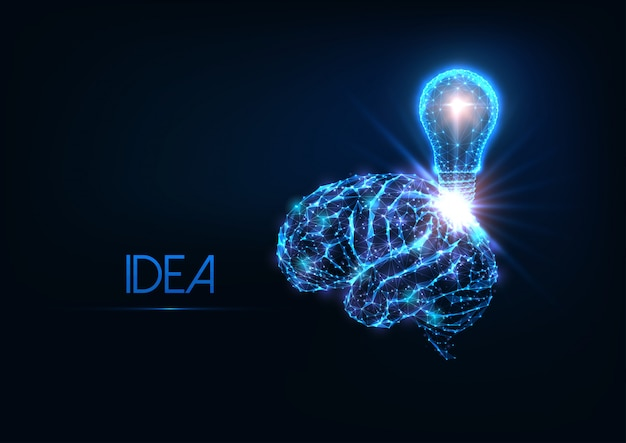 Футуристическая светящаяся низкополигональная идея, мозговой штурм с человеческим мозгом и электрическая лампочка