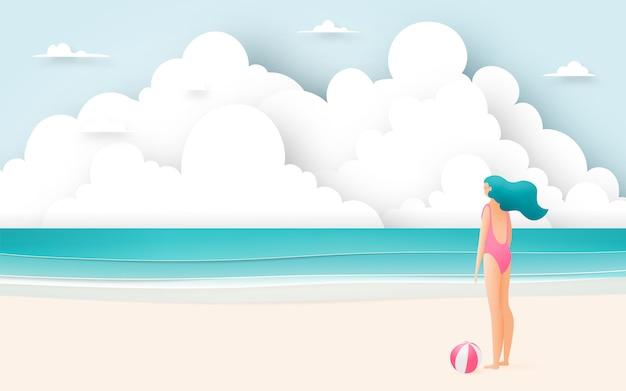 美しいビーチで美しい少女