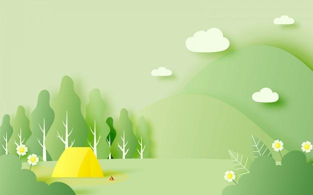 春夏のテントのある美しい自然の風景