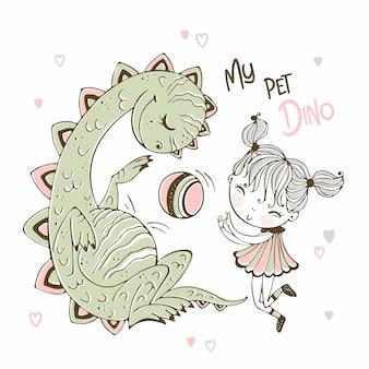 かわいい女の子が彼女のペットの恐竜とボールをプレーします。