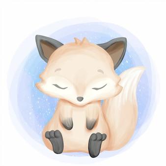 Симпатичная маленькая лисичка чувствует сонливость