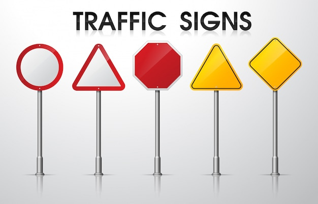 Пустые дорожные знаки изолировать на белом