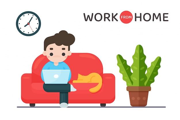 在宅勤務。サラリーマンはコロナウイルスを防ぐために自宅のソファーに座っています。