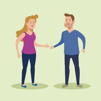 男とカジュアルな服と話している女性