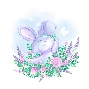 Милый заяц машет лапой из цветника.