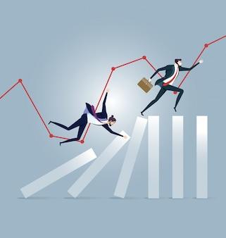 Бизнесмен работает на вершине эффекта домино