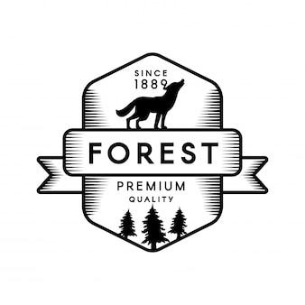 針葉樹林のアウトラインのロゴのテンプレート