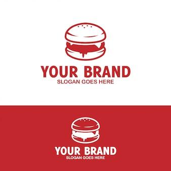 Вкусный бургер с логотипом