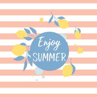 新鮮なレモンとレタリングのある夏のグリーティングカード。