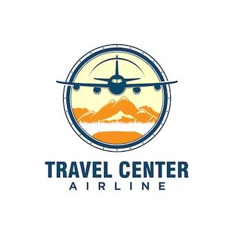 航空会社の飛行機旅行代理店のロゴデザイン、輸送車両アイコンシンプルなミニマリスト、山の要素の冒険観光。