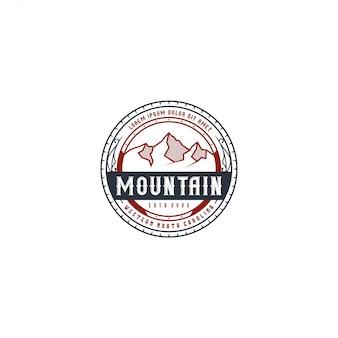 屋外の山の自然のロゴ-アドベンチャーワイルドライフパインツリーフォレストデザイン